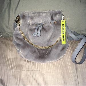 *NWT* Gianni Bini bucket bag